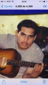 Espinoza Paz y su guitarra