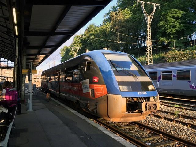 생장 가는 열차