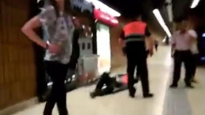 Vigilante de seguridad agredido