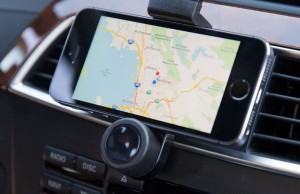 carvent._imount-portable-car-air-vent-mount-for-smartphones-gps-iphone