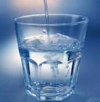 1 Glas Wasser