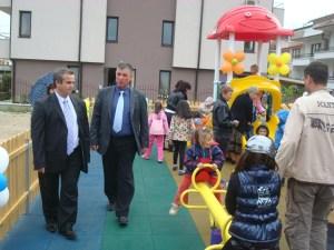 Ротарианци подариха детска площадка на Созопол 1