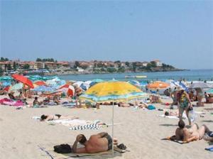 Разделят плажовете за бедни и богати 2