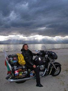 Българинът Коста Атанасов обиколи света с мотор 1