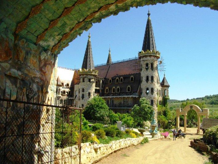 """Екип от """"Дискавъри"""" поиска да заснеме замъка край Равадиново 2"""