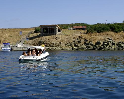 Новият пристан и заслон на остров Свети Иван