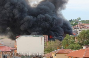 Пушеци от горящото заведение в Созопол