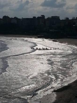 Спасяват кръста в студените води на Черно море