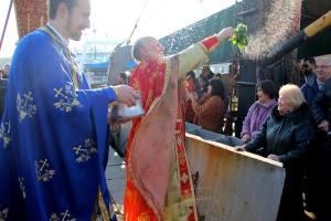 Отец Иван освещава корабите и екипажа 1