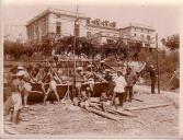 Созопол. Кадети строят лодка на остров Свети Кирик и Юлита. В заден план сградата на морското училище