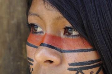 Jeune fille maori aujourd'hui