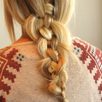 Hair How-to: The Perfectly Messy 5-Strand Braid