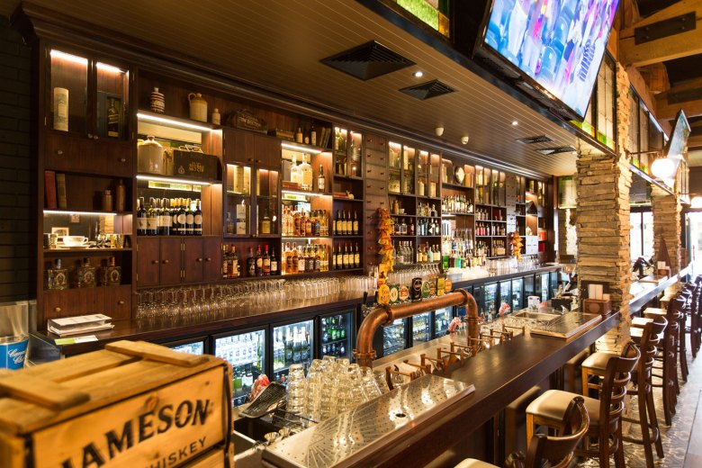 spacecubed-design-studio-interior-australia-gold-coast-brisbane-irish-bar-guiness-sports-beer-taps-01