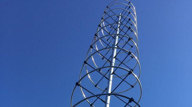 An upgraded VHF antenna, which NASA says can support both VHF1 and VHF2 frequencies. Photo Credit: NASA