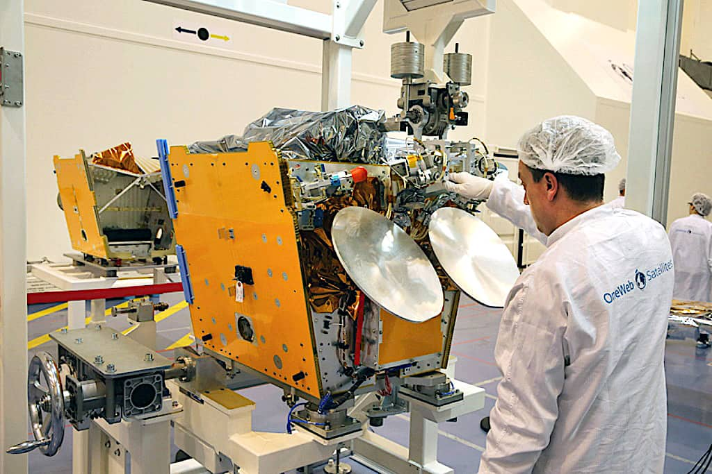 OneWeb designer makes business case for satellite constellation debris removal