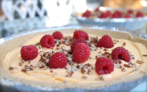 Frozen Yogurt and Soft serve machines making pies