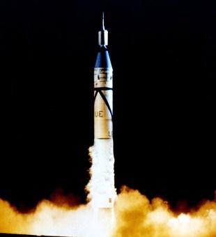 206607main_launch-516
