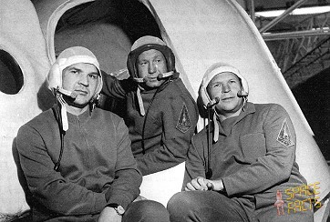 the soyuz 11 space disaster a The soyuz 11 cosmonauts had docked with the salyut 1 space station, but had trouble latching firmly to it and were never able to enter still, they spent more than three weeks in space and made what seemed a nominal reentry.