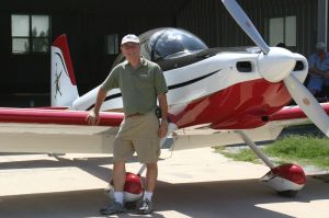 Paul Dye knows a thing or two about flight safety. The former Space Shuttle Flight Director now flies a two-seater he built himself (Credits: Paul Dye).