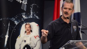 Chris Hadfield announces his retirement from CSA-ASC headquarters a month after returning from ISS (Credits: CSA-ASC webcast).