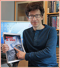 Anatoly Zak with the book just published (Credits: Anatoly Zak).