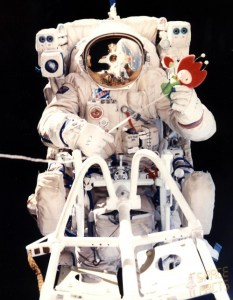 Perhaps Aleksandr Serebrov's claim to fame is that he was first to trial the Soviet Union's answer to NASA's Manned Maneuvering Unit (MMU) … a jet-propelled backpack used only a handful of times in 1990 (Credits: Joachim Becker/SpaceFacts.de).