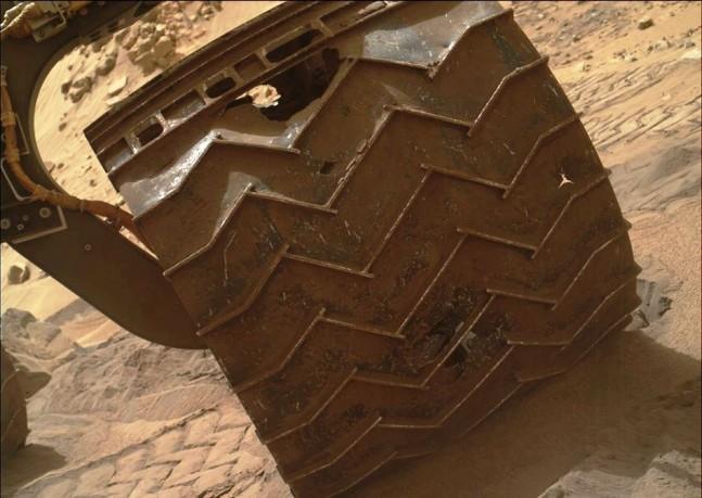 Mars rover Curiosity wheel damage