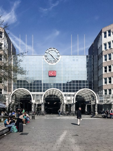 Dusseldorf architecture city guide. best architecture to see in Germany_central train station