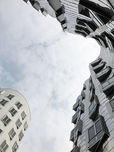 Dusseldorf architecture city guide. best architecture to see in Germany_medienhafen designed by the architect Frank Gehry (10)