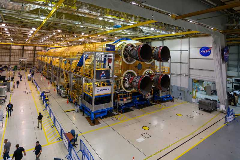 All 4 RS-25 Engines Attached to SLS Core Stage for NASA's Artemis 1 Moon Mission