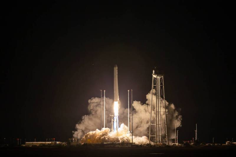 Northrop Grumman Antares Rocket Blasts off from Virginia Wallops on Commercial Cygnus NASA Resupply Mission to ISS – Breaking US Launch Scrub Scene