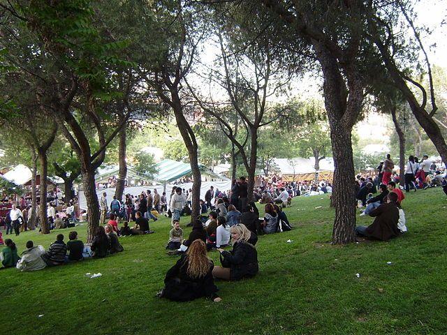 お祭り期間中のサン・イシドウロ公園 Picture by @Jgomezcarroza From wikipedia