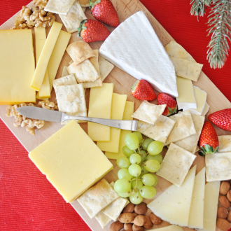 The Perfect Cheese Platter for Holidays and Entertaining