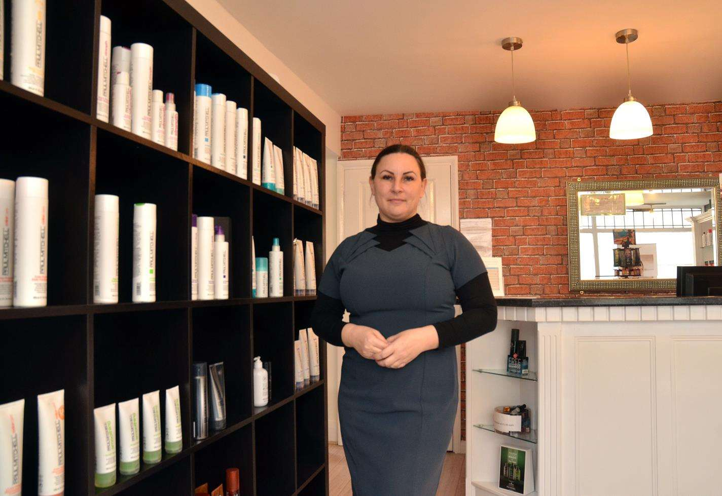 Beauty Salon Owner S Kind Offer To Help Encourage More Women To Go For Their Smear Test