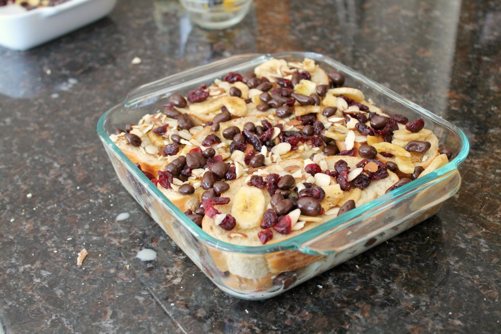 Capirotada with chocolate and dried fruit 11