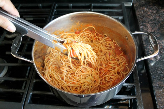 How to reduce the acidic taste in spaghetti sauce 12