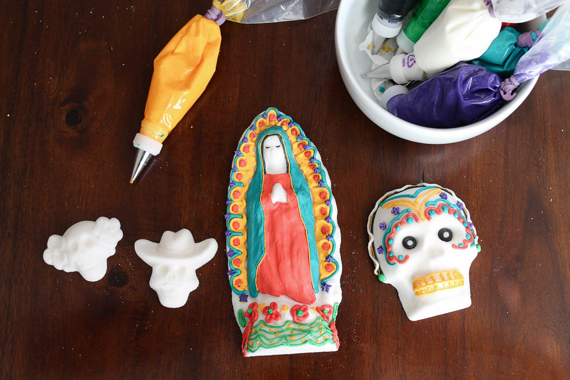 How To Make Sugar Skulls For Day of The Dead   Perfect for Day of The Dead Themed Parties