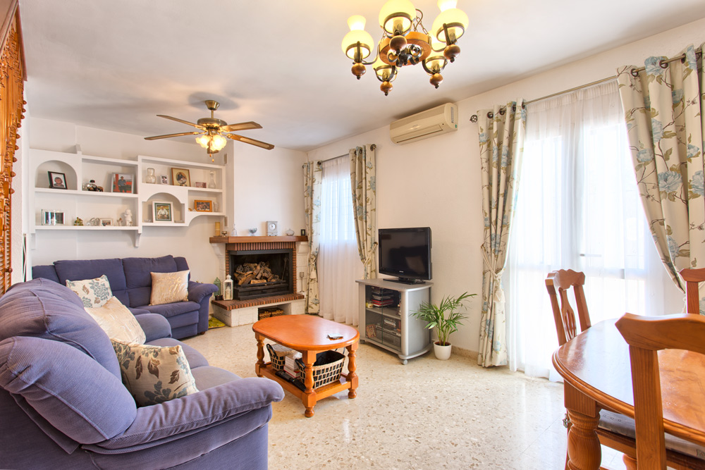 Characteristics Alhaurin El Grande Townhouse For Sale 3 Bedrooms And Parking