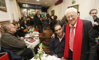 """Spaanse Priester Wil De Hele Wereld Redden Met Zijn """"Robin Hood"""" Restaurants Voor De Armen"""