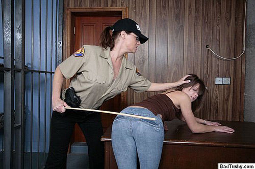 Abi gets caned for shoplifting over her tight jeans