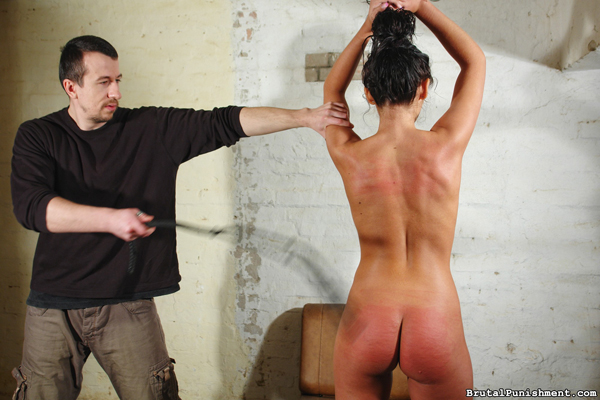 Sexy Isabell gets whipped nude standing up