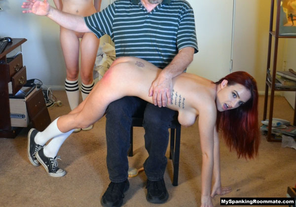New spanking model Lola Anderson gets an OTK nude spanking