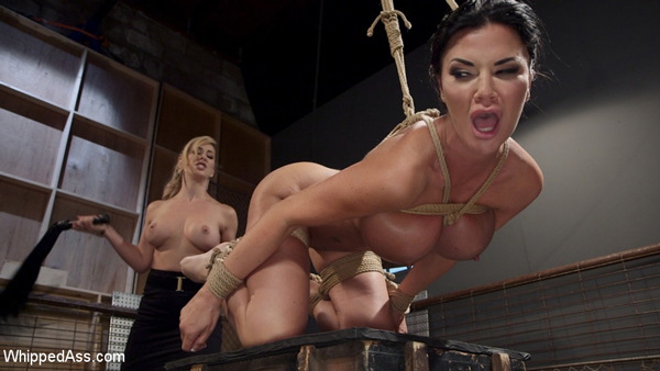 Big tit Jasmine Jae reacts to the whipping