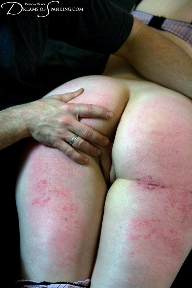 Dreams-of-Spanking_over-his-knee049