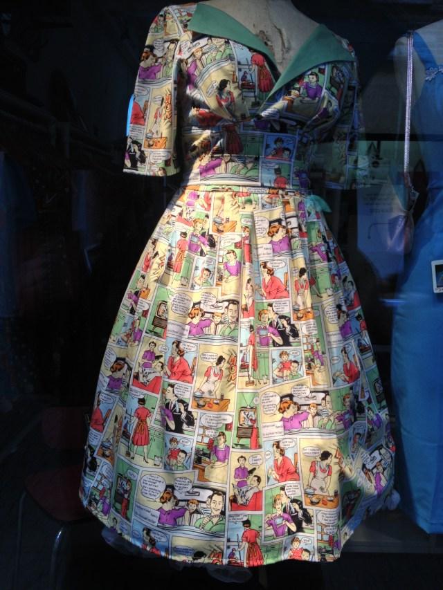 Retro dress with comics print