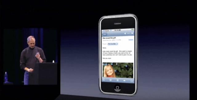 Steve Jobs et l'Iphone