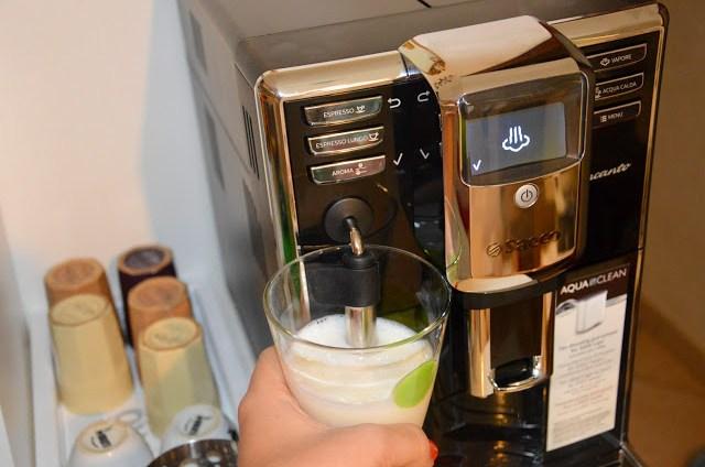 DSC_000628329-1 Tecnology corner: Philips Saeco HD8911/02 Macchina Espresso automatica Incanto Classic Pannarello