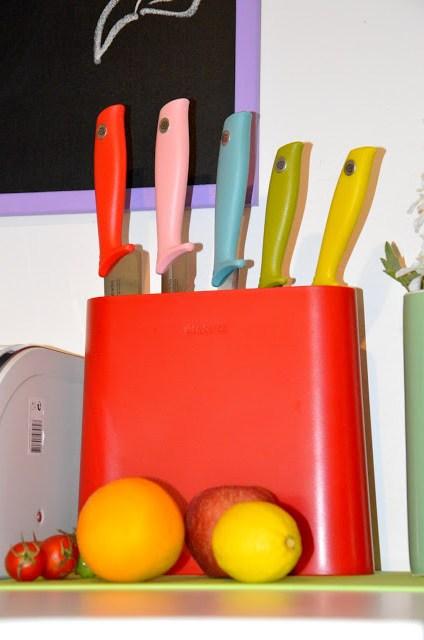 DSC_0047 Brabantia Tasty Colours - Ceppo e coltelli nei colori gustosi