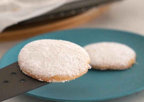 Perfect easy gluten free vanilla and almond cookies!
