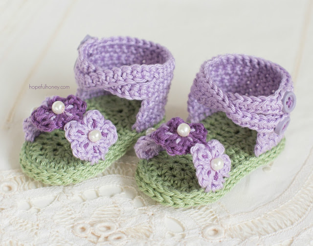 english-violet-baby-sandals-crochet-pattern-3